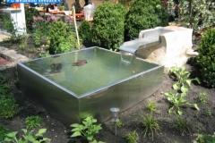Gartenteich mit Wasserzulauf aus Edelstahlblech